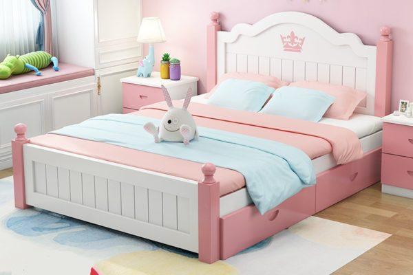 кровать для девочки из массива